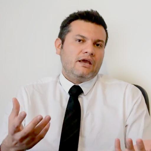 Dr. Carlos Cuevas